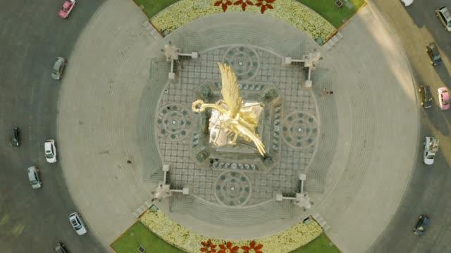 Ángel de la independencia en el tiro aéreo de la ciudad de México. - vídeo