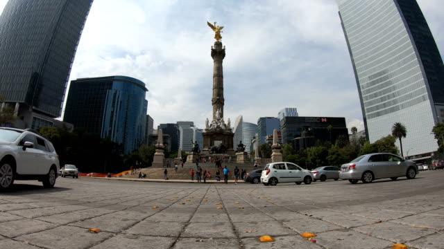 Lapso de tiempo de monumento a la independencia en la ciudad de México - vídeo