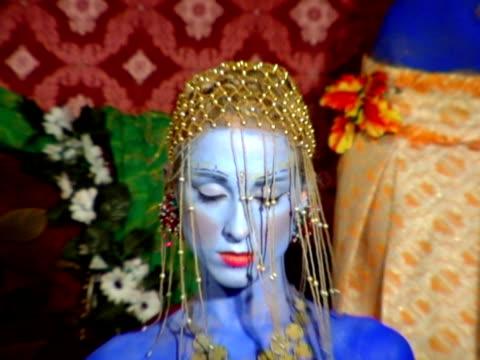 india girl eyes video