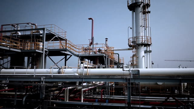 industrial building-lng oil gas equipment - gaz filmów i materiałów b-roll