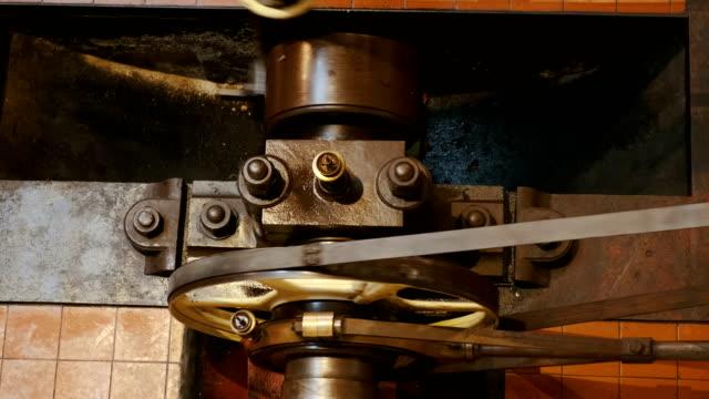 industrial engine in operation - stile del xix secolo video stock e b–roll
