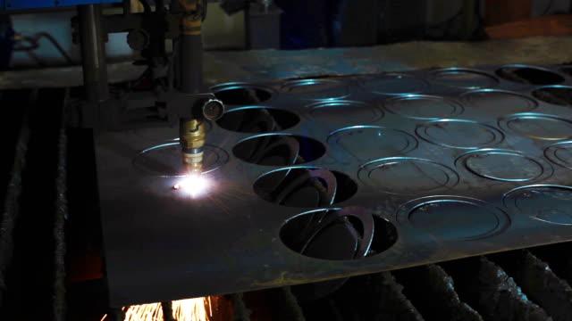 Industrial plasma cutting processing video