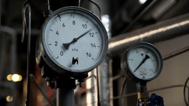 industrial set manometer indications - barometer bildbanksvideor och videomaterial från bakom kulisserna