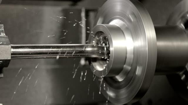 industri svarv maskin arbete - cnc maskin bildbanksvideor och videomaterial från bakom kulisserna