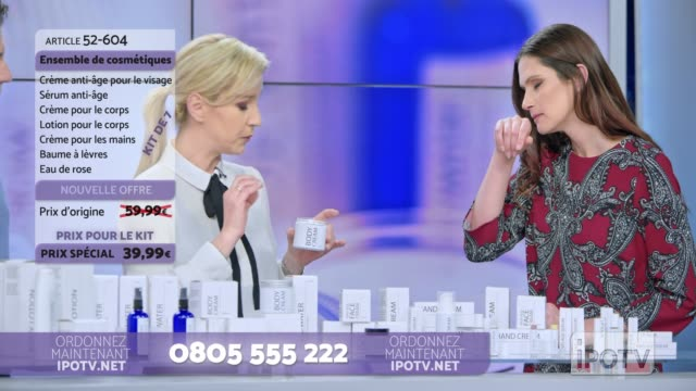 Infomercial montage in French: Woman presenting a cosmetic line on an infomercial show rubbing some cream on the female model while talking to the male host and explaining the product