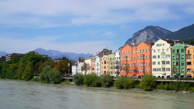 vídeos de stock, filmes e b-roll de cidade de innsbruck, na áustria - tyrol state austria