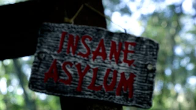 Sinal insano do asilo - vídeo