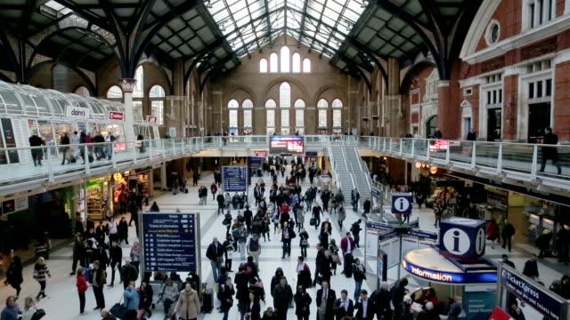 inside london liverpool street station video