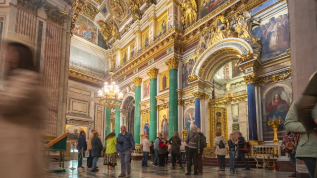 inside of st.isaac's cathedral in st.petersburg, russia - san pietroburgo russia video stock e b–roll