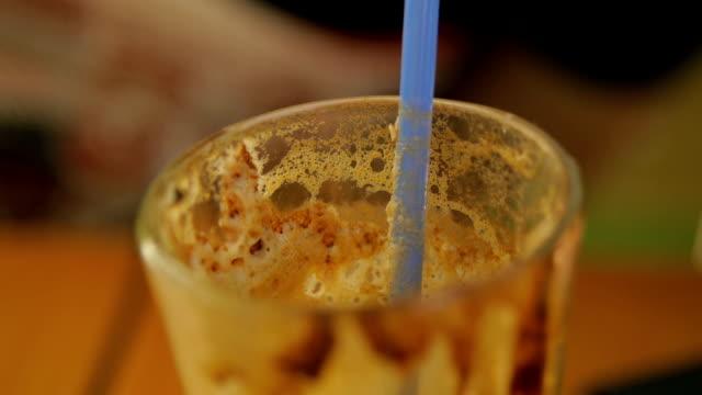 instant coffee drink - paglia video stock e b–roll