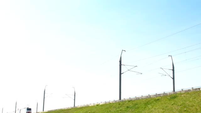 intercity train of the dutch railways (ns- nederlandse spoorwegen) passing - intercity filmów i materiałów b-roll