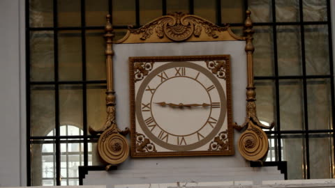 Interior clock on the wall video