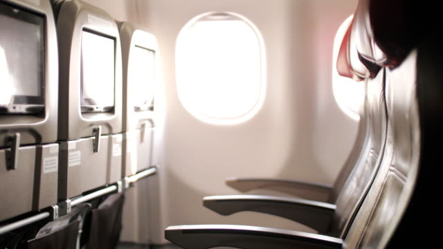 기내 승객의 내부 내부, 인형 촬영 - airplane seat 스톡 비디오 및 b-롤 화면