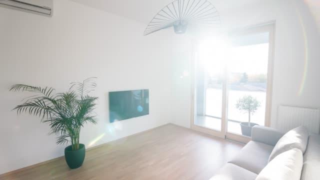 interiören i en modern lägenhet - ljus belysning bildbanksvideor och videomaterial från bakom kulisserna