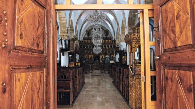 stockvideo's en b-roll-footage met interieur van de grieks-orthodoxe kerk - klooster