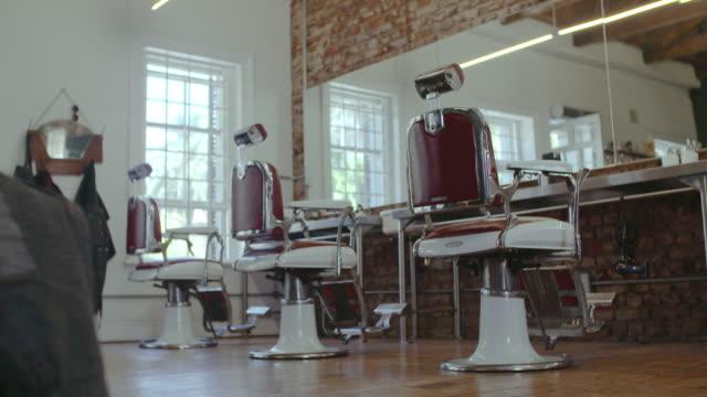 美容室理髪店の内部 - 美容院点の映像素材/bロール