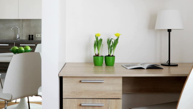 interiör av modern lägenhet i skandinavisk stil med kök och arbetsplats. motion panoramautsikt - wine box bildbanksvideor och videomaterial från bakom kulisserna
