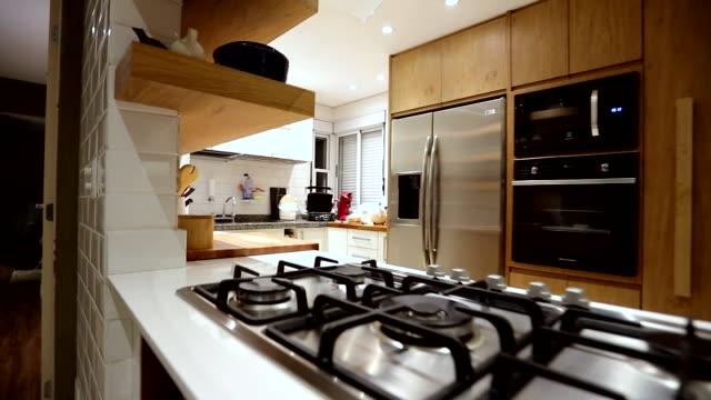 vídeos de stock e filmes b-roll de interior of the modern apartment. - mesa mobília