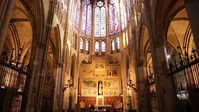 interior of the santa maria cathedral in leon, spain, december 2018 - christianity stock videos & royalty-free footage