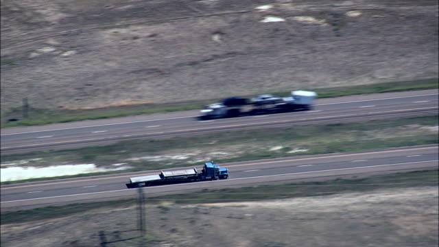 インターステート95 航空写真-モンタナ、dawson 郡、アメリカ合衆国 - 州間高速道路点の映像素材/bロール