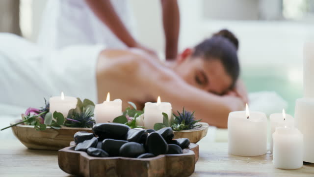 vídeos de stock e filmes b-roll de invigorate your body and senses at the spa - massajar