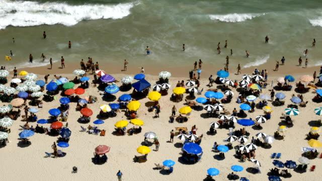 ipanema beach rio de janeiro - ultra high definition television filmów i materiałów b-roll