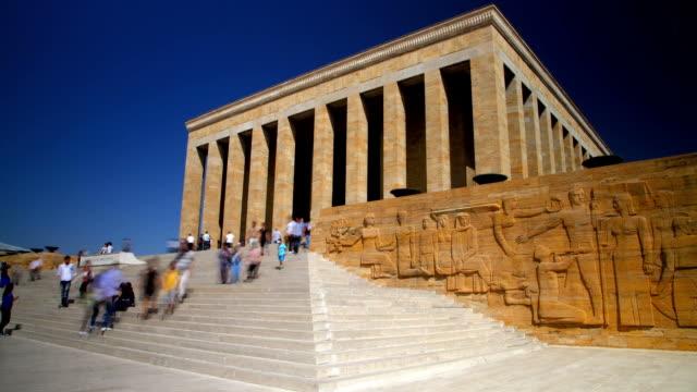 das mausoleum von mustafa kemal atatürk in ankara timelapse - ankara türkei stock-videos und b-roll-filmmaterial