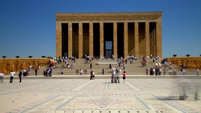 ist das mausoleum von mustafa kemal atatürk timelapse - ankara türkei stock-videos und b-roll-filmmaterial
