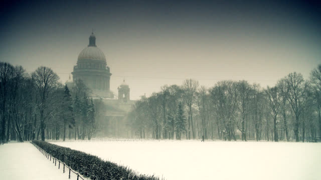 'Isaakievskii sobor' Cathedral in Saint Petersburg at winter video
