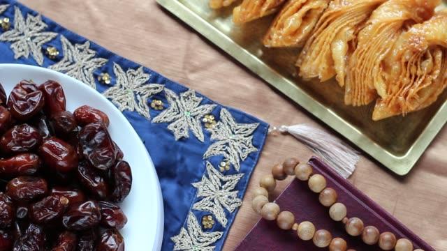 Coran et célébration islamiques Foods - Vidéo