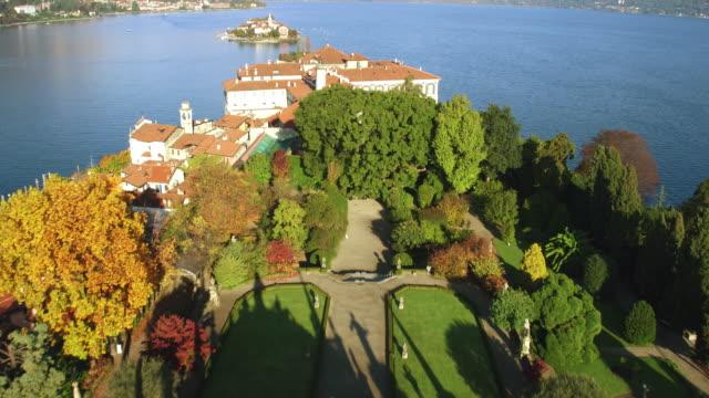 vídeos de stock e filmes b-roll de ilha de isola bella - lago maggiore
