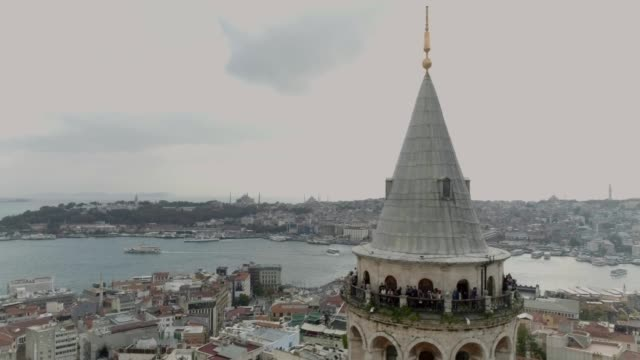 vídeos y material grabado en eventos de stock de torre de estambul galata y cuerno de oro vista aérea 3 - distrito eminonu