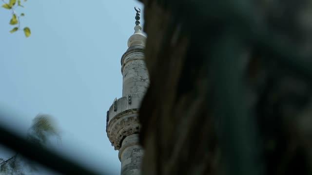 stockvideo's en b-roll-footage met istanbul ottomaanse ayazma moskee minareth timelapse - koran