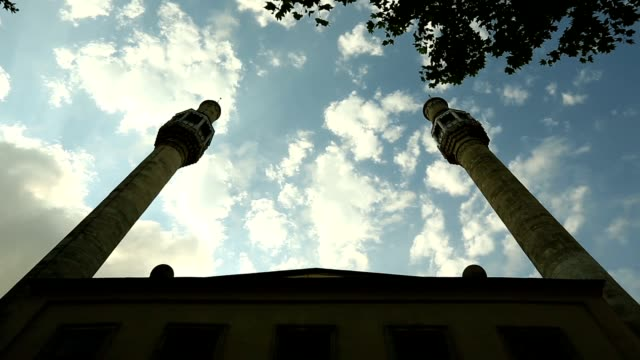 stockvideo's en b-roll-footage met istanbul ottomaanse grand kasımpaşa moskee timelapse - heilig geschrift