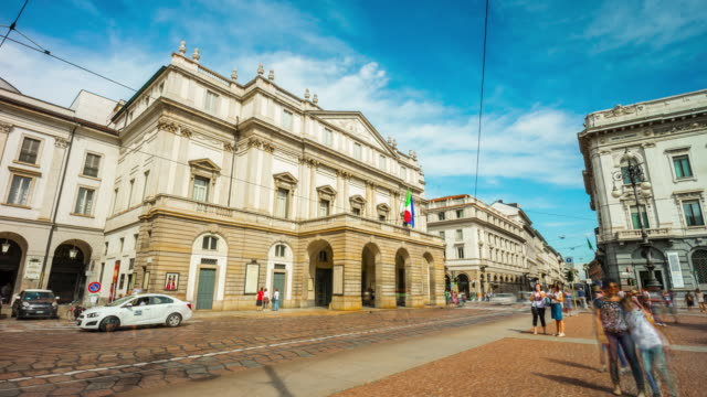 italy milan city famous summer day museum la scala theater street panorama 4k time lapse - vídeo