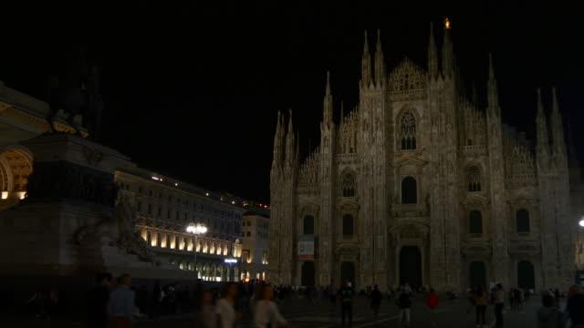 italy milan city night time duomo cathedral square front walking panorama 4k video