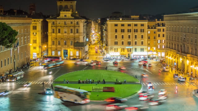 italy night light rome city square piazza venezia traffic circle panorama 4k time lapse video