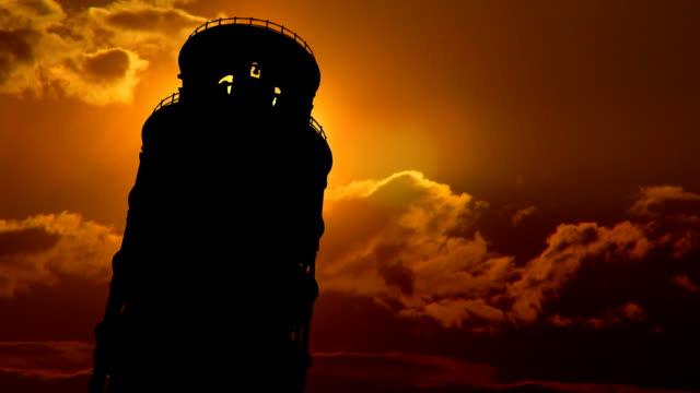 italia torre pendente di pisa arancio crepuscolo - pisa video stock e b–roll