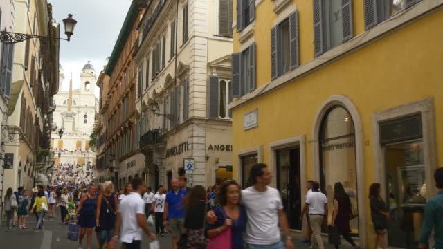 vidéos et rushes de italie rome ville été jour bondé escalier de la rue panorama 4k - rome