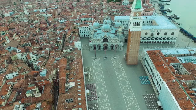 italy. venice from above. - canale video stock e b–roll