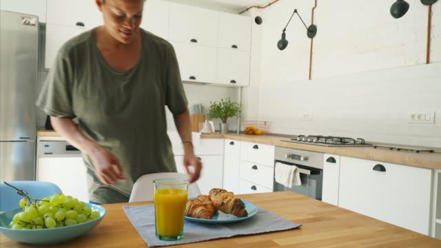 ¡Es hora del desayuno! - vídeo