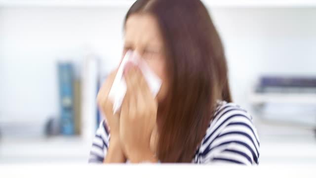It's hay fever season again video