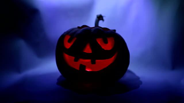lanterna zucca di halloween - zucca legenaria video stock e b–roll