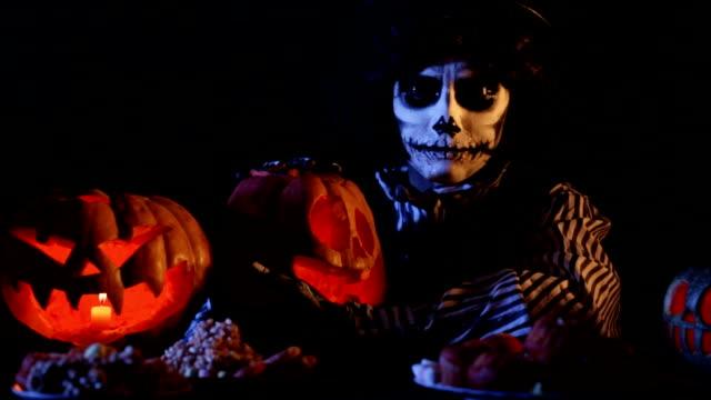 Jack-o-lantern: Master Of Pumpkins video