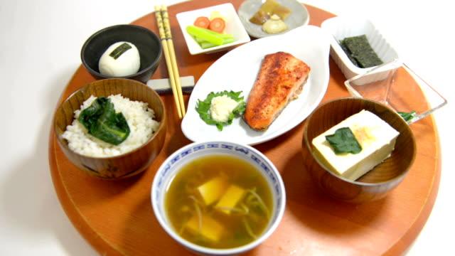 和食の朝食 ビデオ