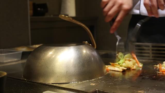 シェフの料理のレストランでのお食事 ビデオ