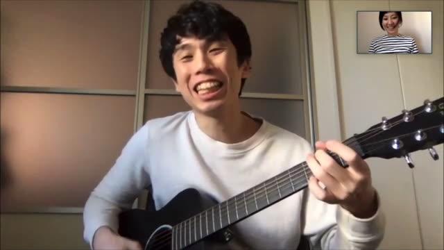 パソコンのオンラインビデオ会議で一緒に歌う日本の男女 - テレビ会議 日本人点の映像素材/bロール
