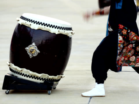 PAL: Japanese traditional Taiko Drum and drummer (video) video
