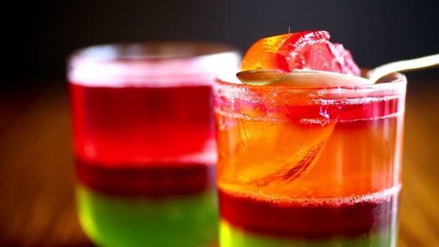 jelly fruit colored puff - sostanza gelatinosa video stock e b–roll