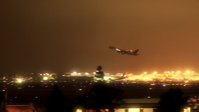Jet Airliner Taking Off at LAX (Night) video
